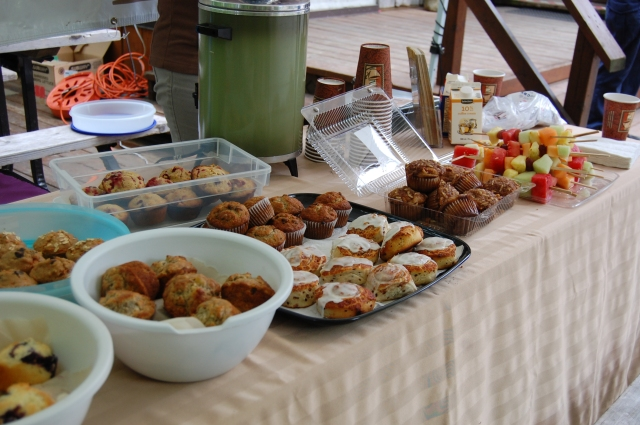 A yummy continental breakfast awaited the birders! S. Gray photo